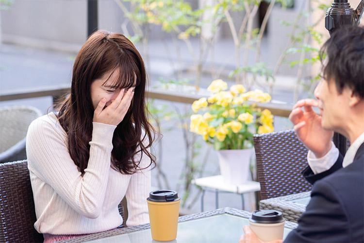 パパ活でお茶する女性